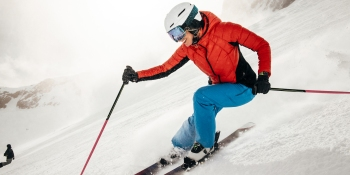 Apple Watch Series 3 now tracks skiing and snowboarding stats using altimeter
