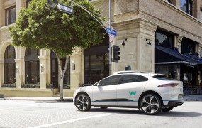 Waymo & Jaguar: Self-driving I-Pace