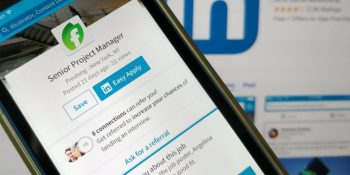LinkedIn's AI automatically generates photo text descriptions
