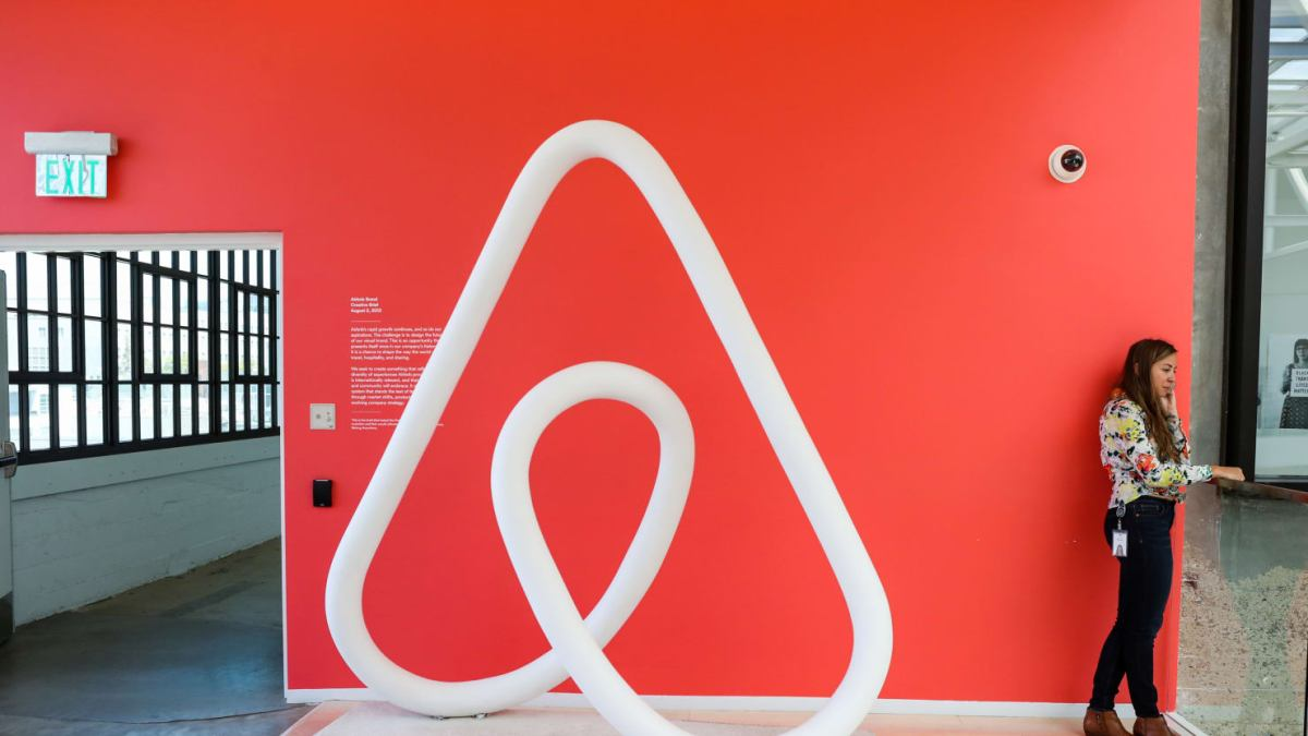 photo image Paris sues Airbnb for $14 million over illegal advertisements