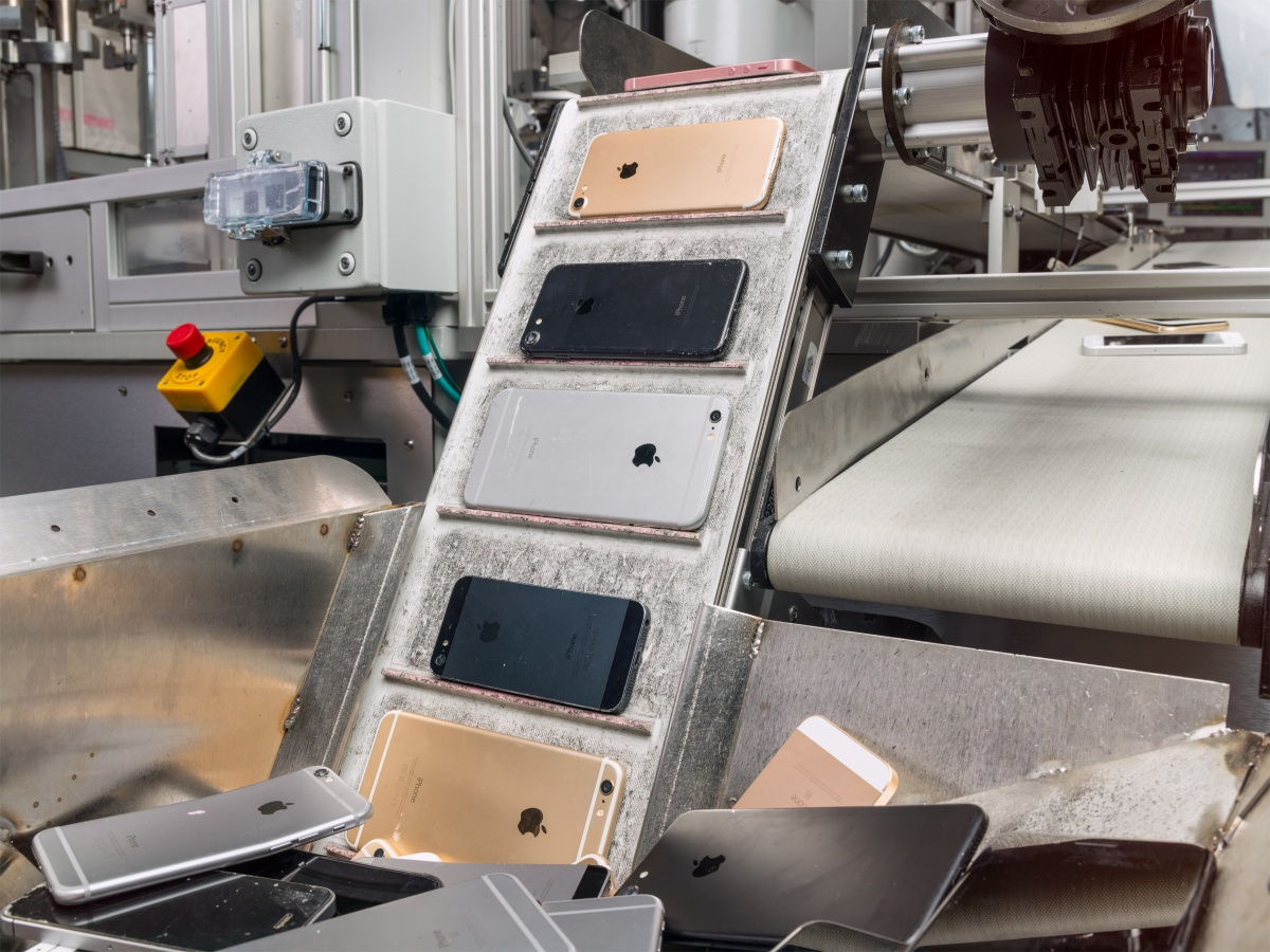 Apple offers official parts and training to independent repair shops