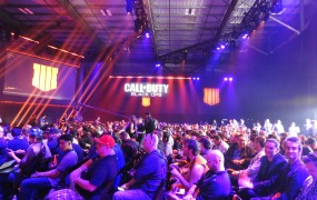 Mike Minotti plays Call of Duty: Black Ops 4.