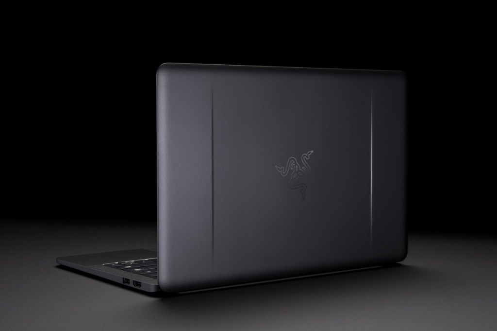 Core V2 turns Razer Blade Stealth laptop into a desktop