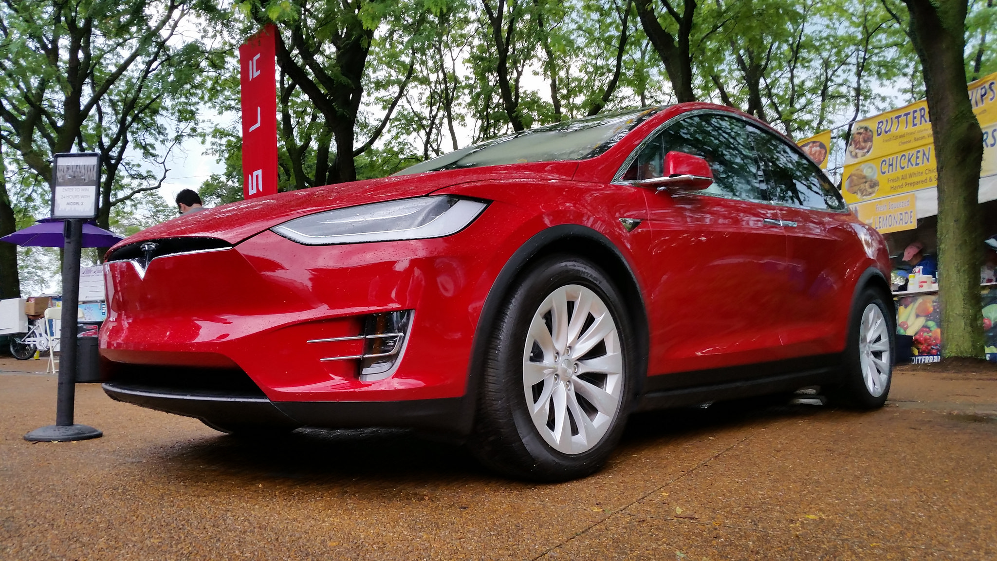 Tesla Model X Accelerated Toward Barrier Before Fatal Crash