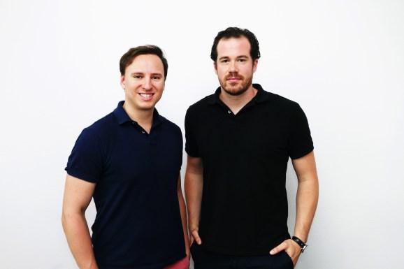 Caroobi cofounders Gründer Nico Weiler (l) und Mark Michl (r).jpg