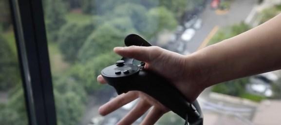 Valve's Knuckles EV2 controller.