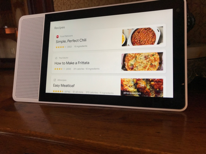Review: Lenovo Smart Display gives Google Assistant a better