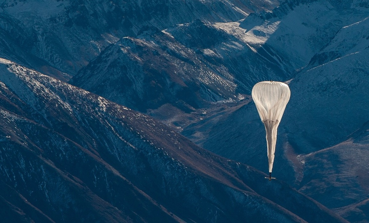 Google's Internet Balloons Face Doubts from Potential Customers