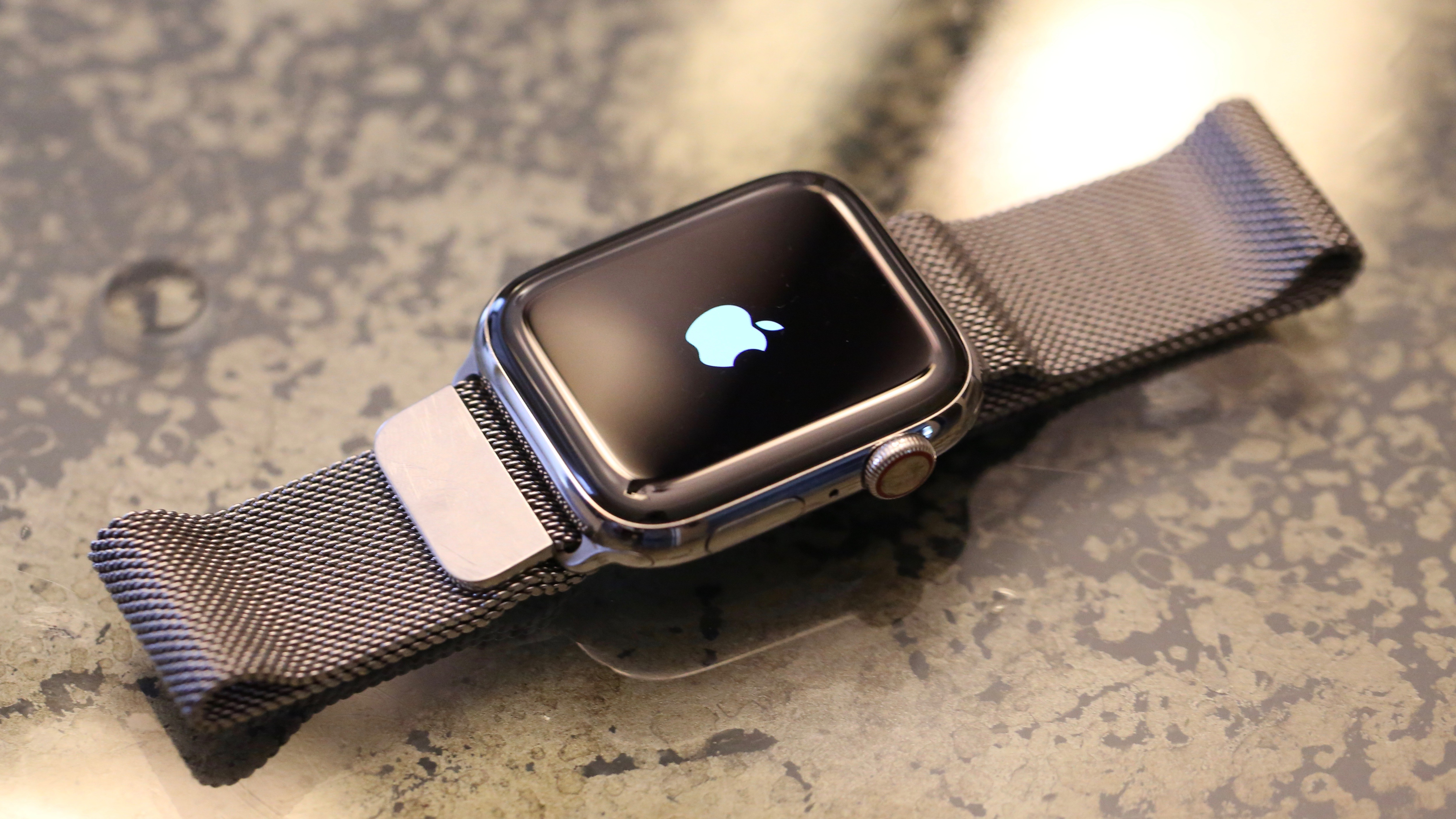 Does apple watch bluetooth to iphone 6 battery
