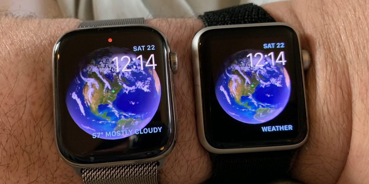 Apple Watch Series 4 in 44mm (left) next to Series 1 in 42mm (right).