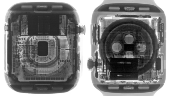 X-ray view of the Apple Watch Series 4 (left) and Series 3.