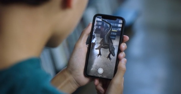 Facebook and Universal have teamed up on a Jurassic World: Fallen Kingdom AR integration.