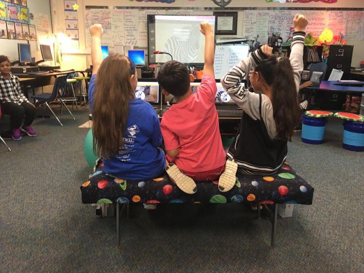 Children using Quizlet