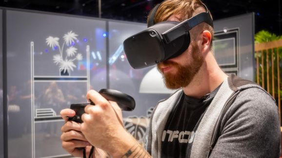 Hayden Dingman at PCWorld testing out the Oculus Quest (credit -