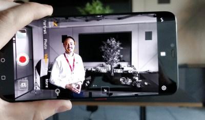 Huawei Mate P20 Pro: AI Cinema effect adds 'Sin City'-like color