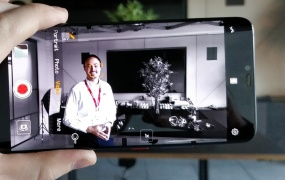 """The """"AI Color"""" video effect on the new Huawei Mate 20 Pro"""