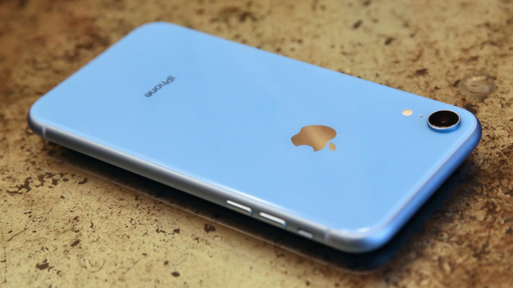 The 5-point iPhone XR review: How Apple walks the fine line of