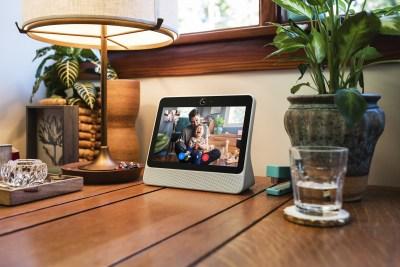 Facebook Portal review: AI makes video calls better | VentureBeat