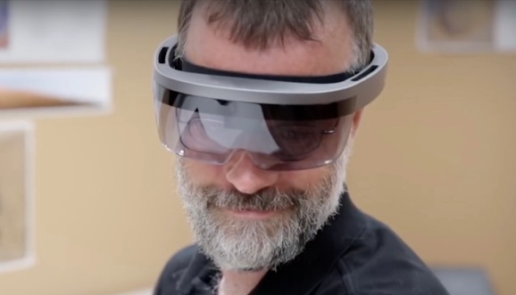 9a9db8dc7b5c7c Is this Microsoft's HoloLens 2? - Digital home
