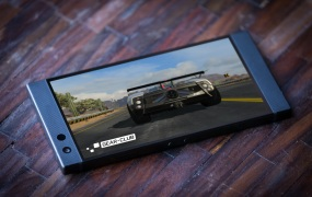 Gear Club looks amazing on Razer Phone 2.