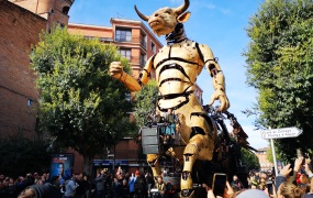 Astérion the Minotaur roams the streets of Toulouse.