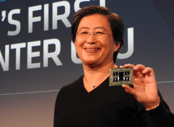 Lisa Su, CEO of AMD, holds an Epyc Rome server module.