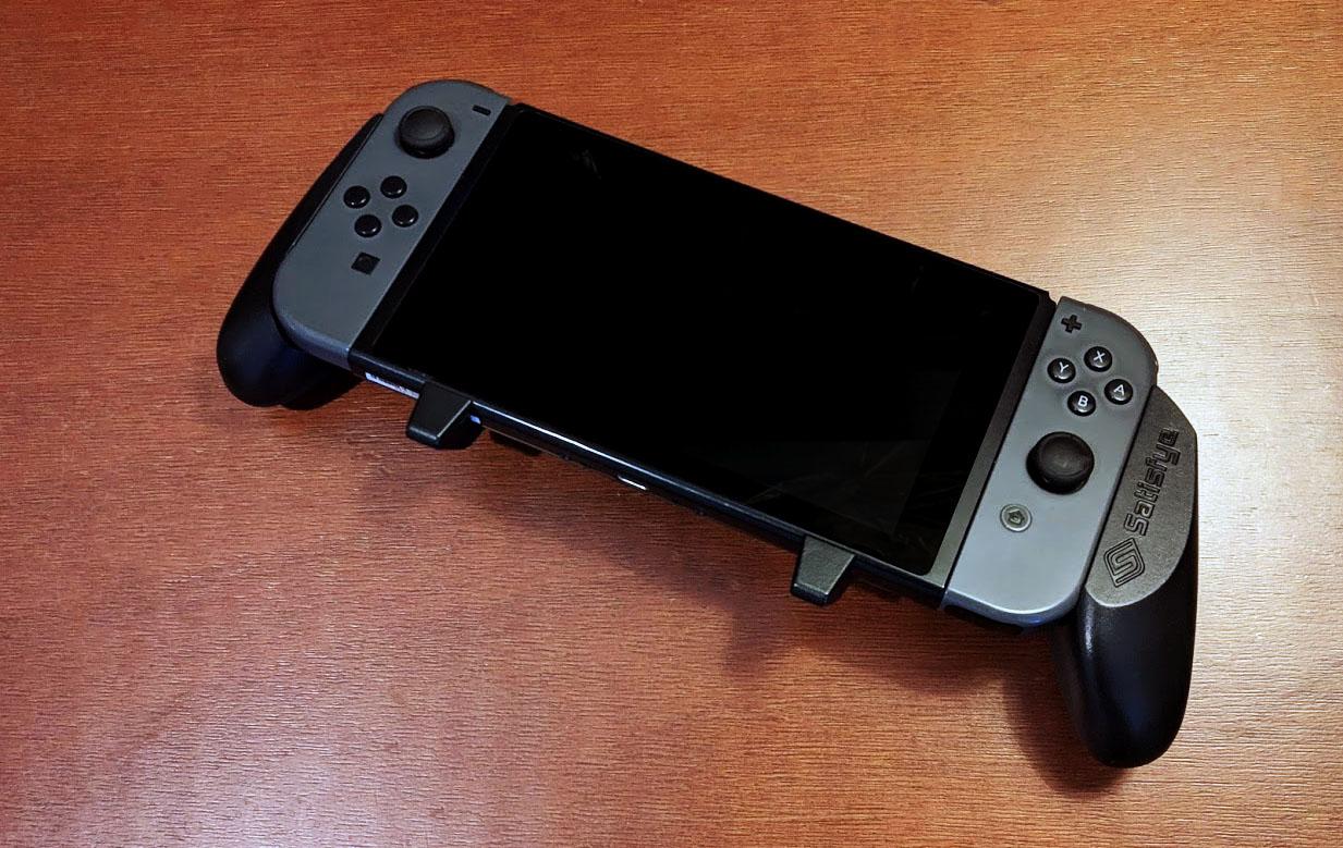 Satisfye's Nintendo Switch Grip Improves the Comfort for Big Hands