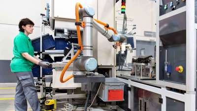 Rethink Robotics' assets bought by Hahn, Universal Robots hires 20