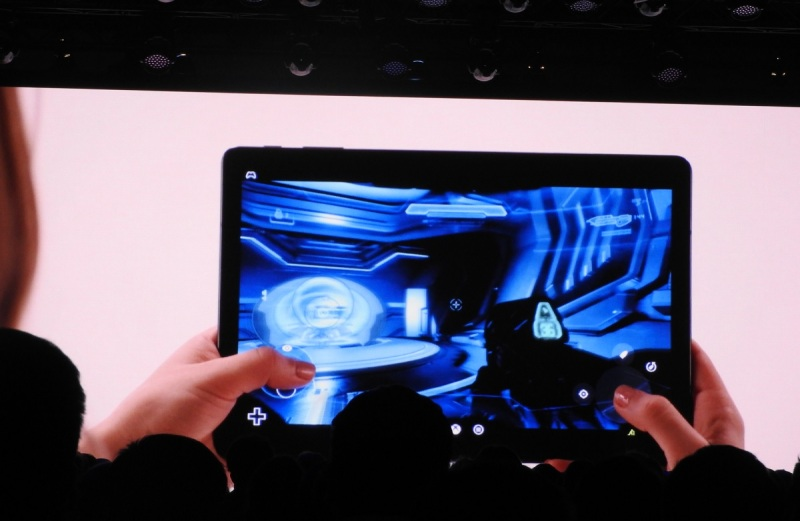 Microsoft's Project xCloud lets you play Halo on a tablet.