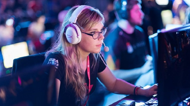 Female esports players are on the rise.
