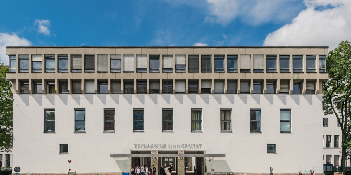 Hauptgebäude der TU München Haupteingeng Arcisstr. 21 Foto: Andreas Heddergott / Verwendung frei fuer die Berichterstattung ueber die TU Muenchen unter Nennung des Copyrights