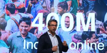 Vice-president of Google for South East Asia and India Rajan Anandan speaks during the launch of the Google 'Tez' mobile app for digital payments in New Delhi on September 18, 2017. / AFP PHOTO / SAJJAD HUSSAIN        (Photo credit should read )