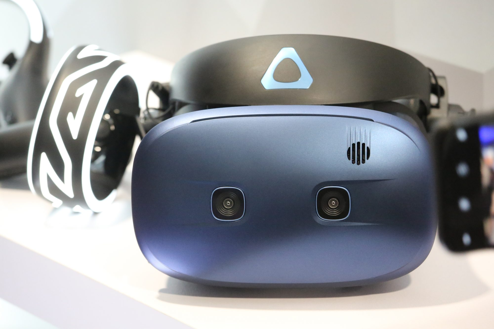 The VR headset market is about to get way too crowded and confusing