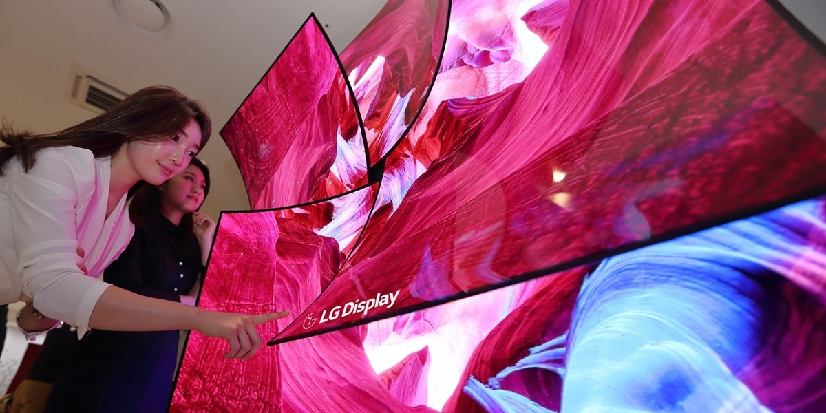 A flower sculpture made from foldable LG displays.