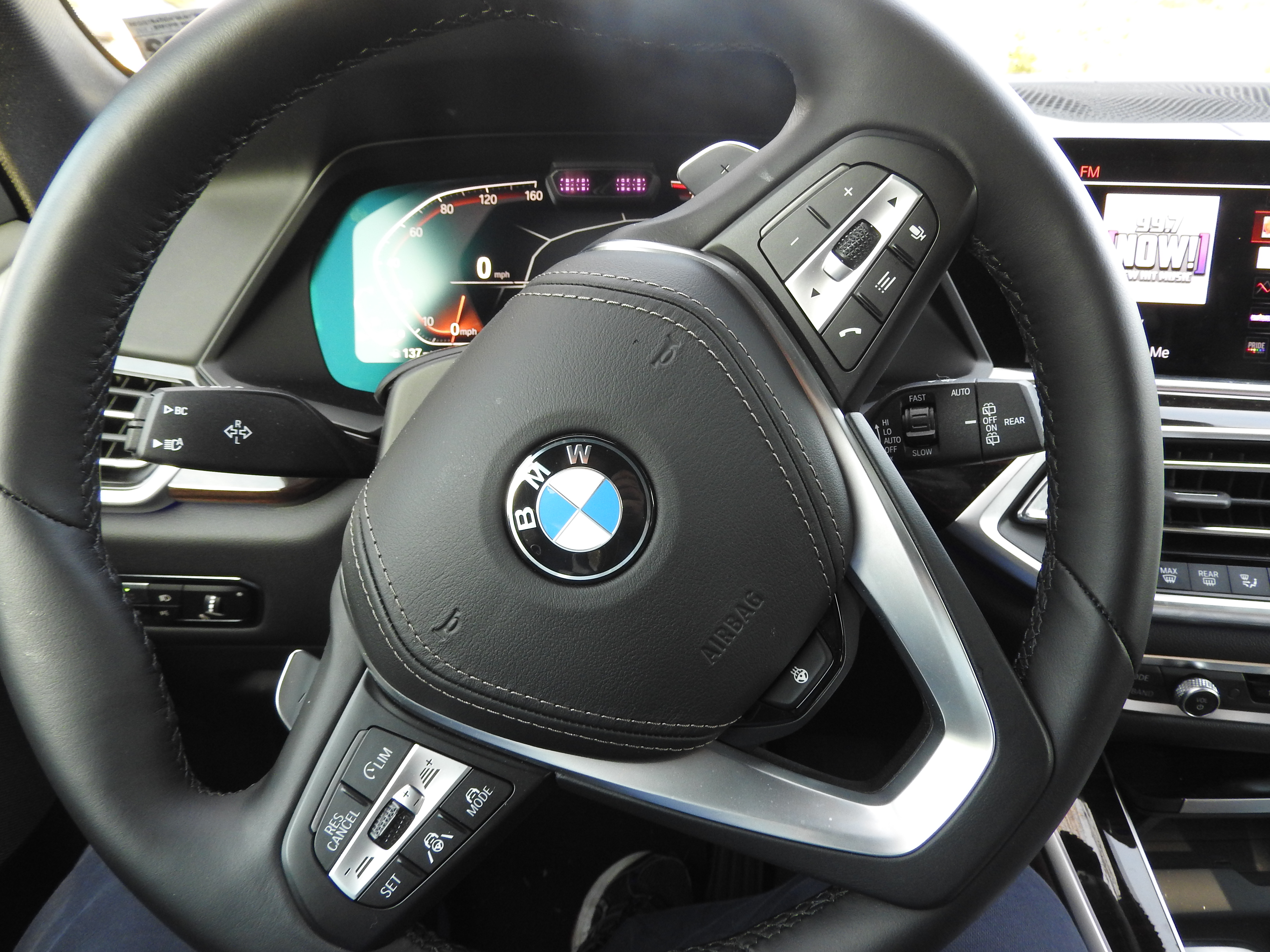 Bmw X5 Xdrive40i Suv Is Loaded With Tech Gadgets To Entertain And Protect You Venturebeat