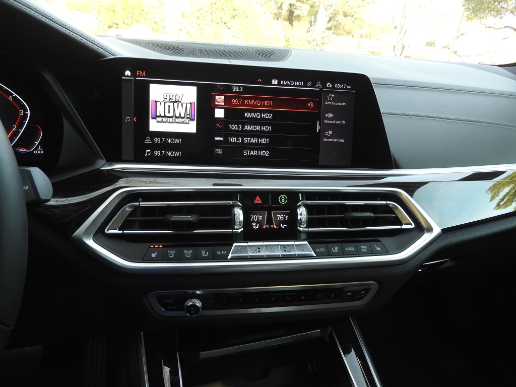BMW X5 xDrive40i SUV is loaded with tech gadgets to
