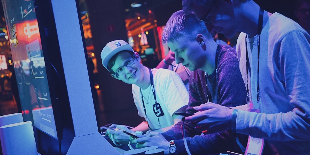 Hatch allows mobile gamers to play games together.