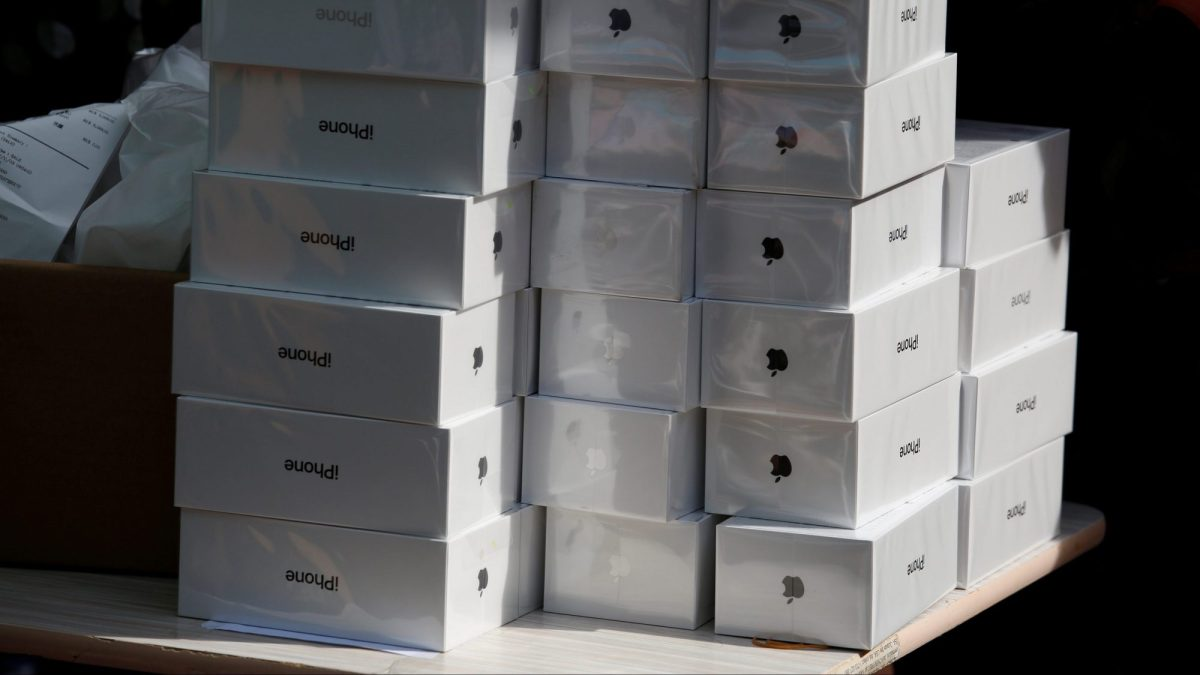 Apple may finally be working on a much cheaper iPhone for China