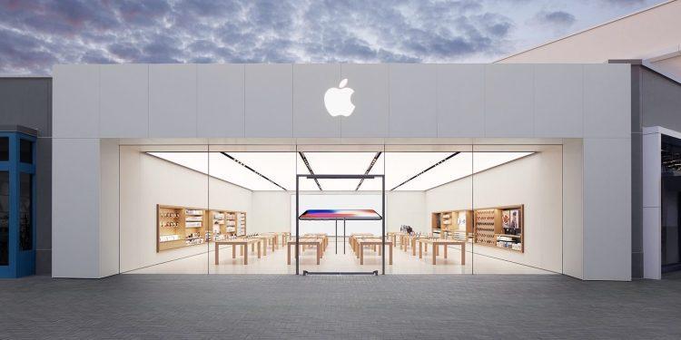 Apple Store UTC in San Diego, California.