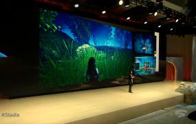 Erin Hoffman-John of Google shows split-screen games.