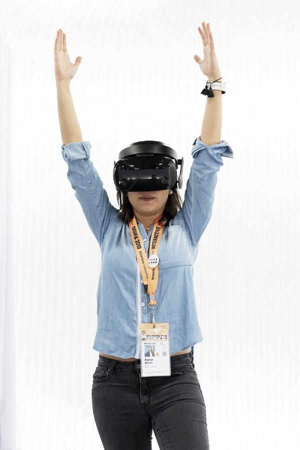 EmbodyMove is like yoga in VR.