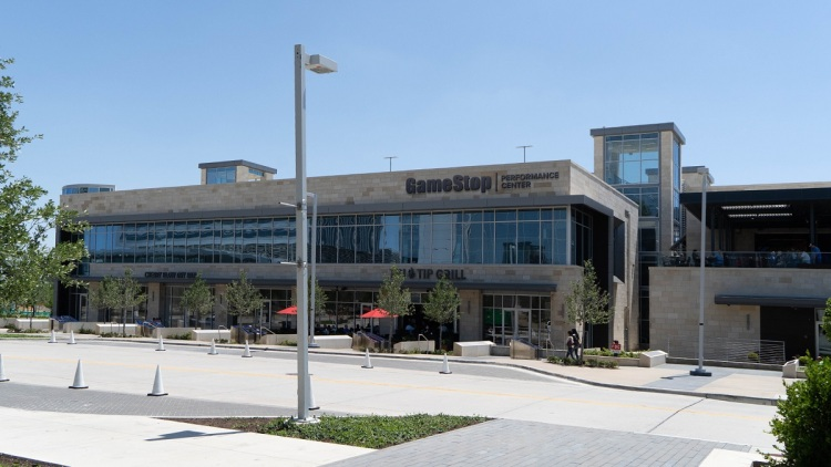 GameStop is sponsoring Complexity Gaming's new headquarters and esports training center.