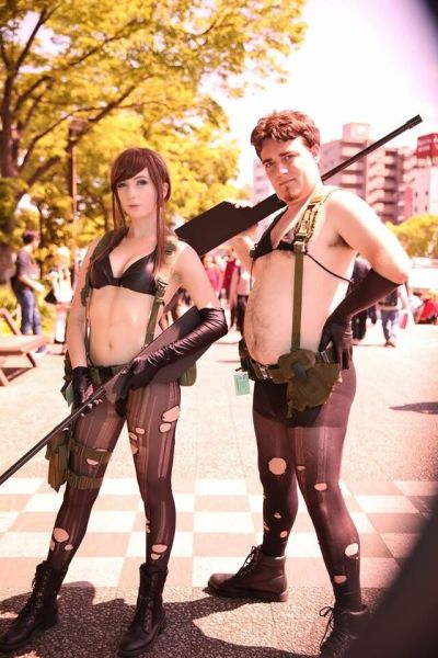 Nicole Edelmann and Palmer Luckey cosplay as Quiet.