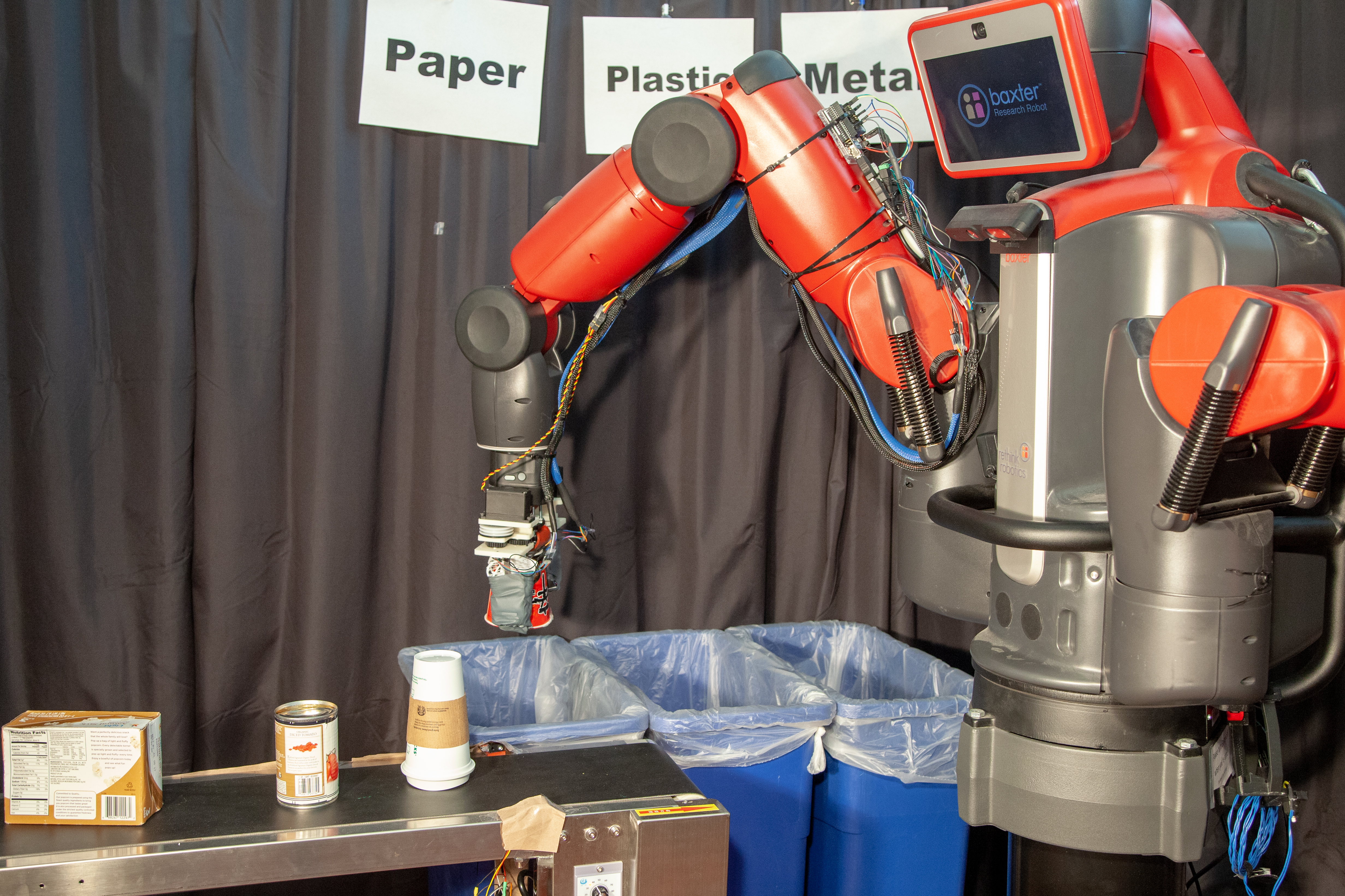 MIT robot sorts recycling and trash by touch | VentureBeat