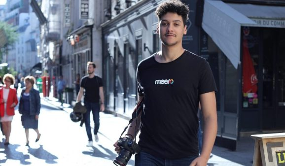 A Meero photographer roams the streets.