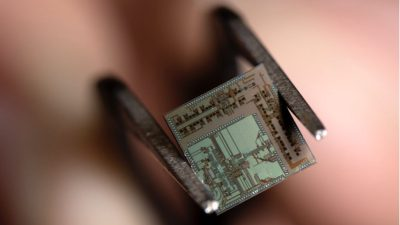 Researchers create tiny 'beyond 5G' chip for 100GHz data