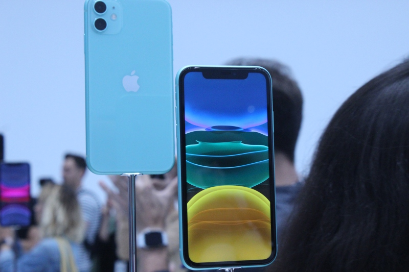 iPhone 11 hands-on -- a mainstream smartphone with Night