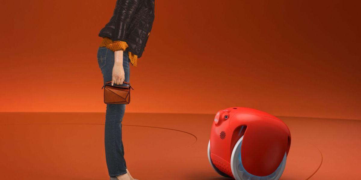 Piaggio's Gita robot