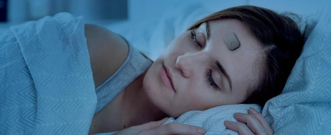 Beddr uses a sensor to collect sleep data.