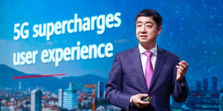 Huawei's deputy chairman Ken Hu discusses Mobile Broadband Forum in Zurich